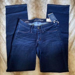 Universal Thread Dark Wash Bootcut Jeans Size 6